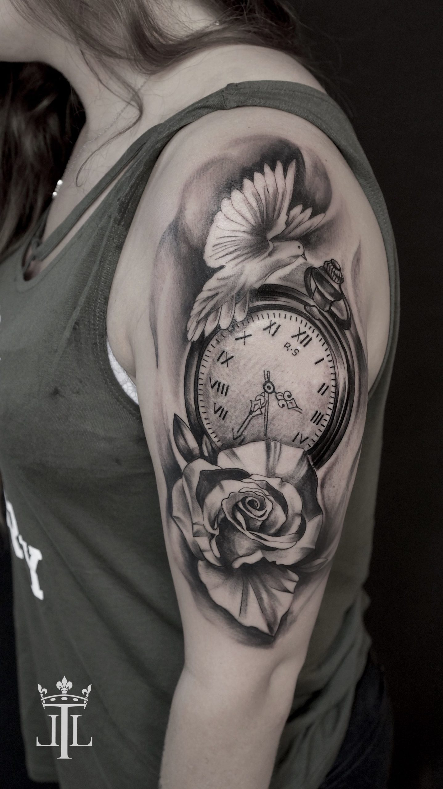 rose-clock-tattoo